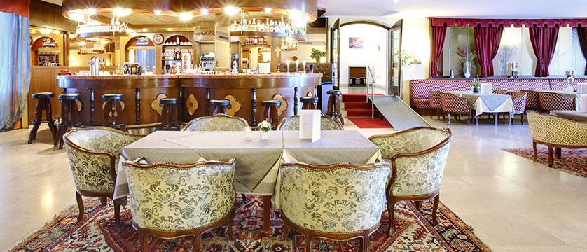 Hotel Tyrol & Alpenhof, Seefeld, Austria - bar interior.jpg